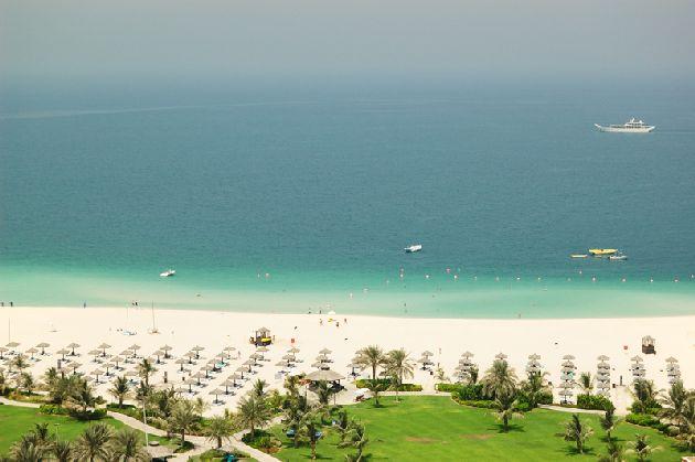 В Дубае в сентябре погода по прежнему жаркая, но кроме пляжного отдыха есть уйма других интересных занятий!