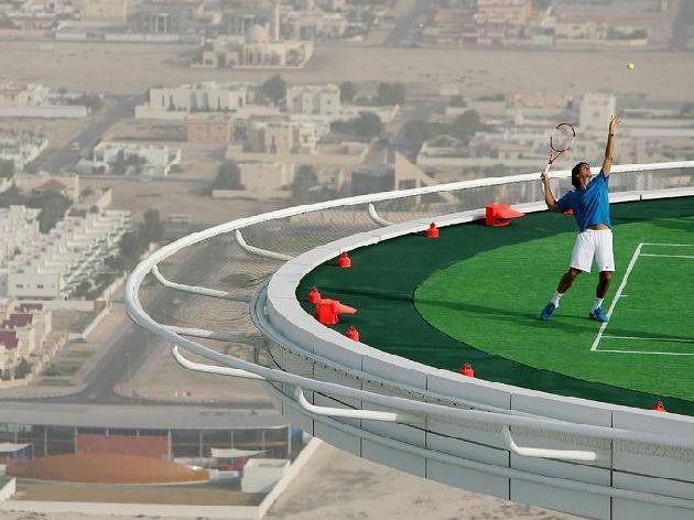 Самый высокий теннисный корт в мире, 300 этаж отеля Бурдж аль Араб