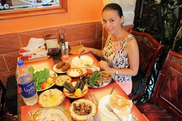 Отведайте арабскую кухню в ресторане  Lebanese Flower Khalidia