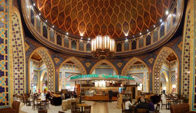 Интерьеры торгового центра Ибн Баттута Молл невероятно красивы