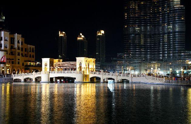 В ноябре приятно гулять по Дубаям, который особенно красив вечером