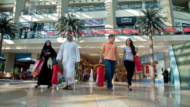 Как вести себя в Дубаях? Как одеваться? И чего не стоит делать? Читайте нашу статью об этикете и правилах поведения в ОАЭ