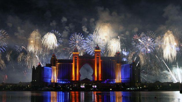 Восточная сказка вполне реально в Эмиратах.. не забудьте лишь взять с собой новогоднее настроение!