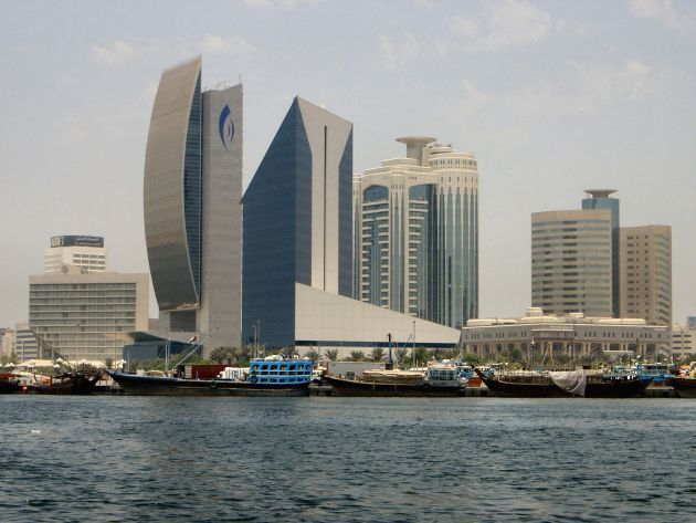 В Dubai Creek вы увидите множество интересных зданий, таких как Dubai Creek Tower