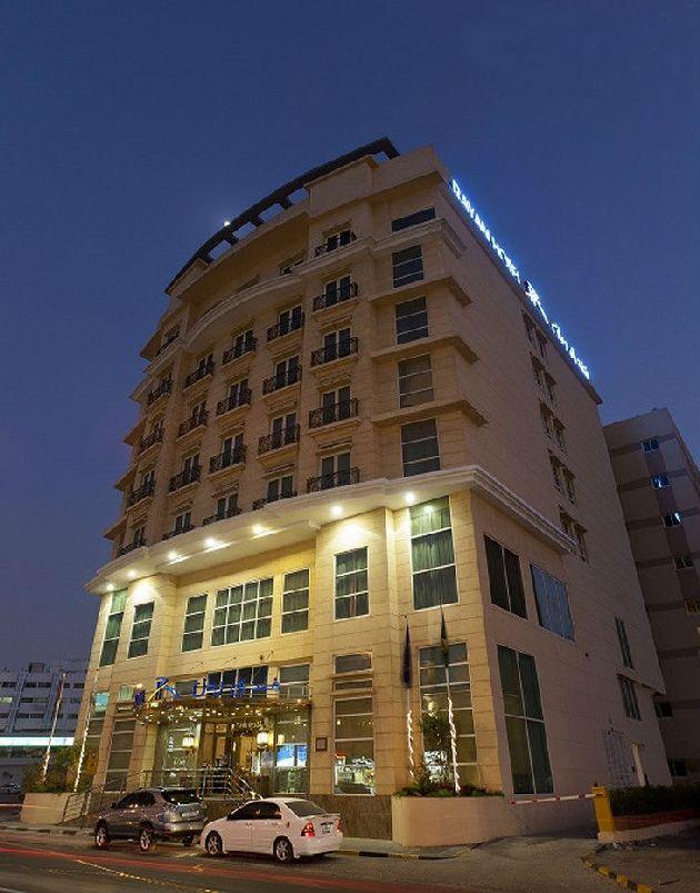''Rayan Hotel Sharjah'' состоит из 20 этажей, постояльцев всегда много, но общая атмосфера в отеле очень спокойная