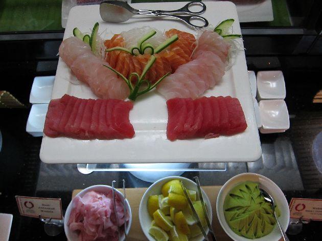 Секция с блюдами японской кухни