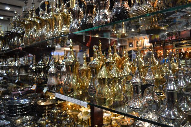 Угостите своих друзей исключительно ароматным арабским кофе из традиционного кофейника!