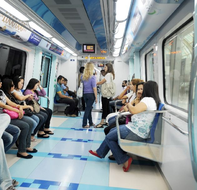 В Дубаях есть как общие вагоны, так и те, что предназначены только для женщин и детей