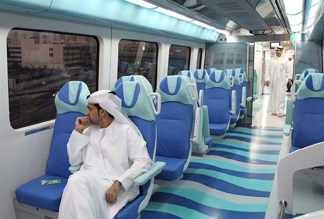 Транспортная система в Дубае очень продумана, толкаться не придется!